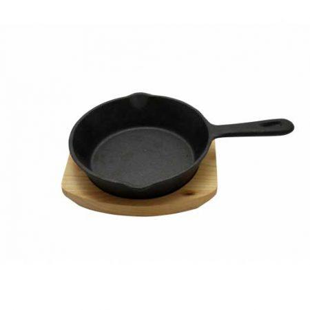 μαντεμενιο τηγανι με ξυλινη βαση