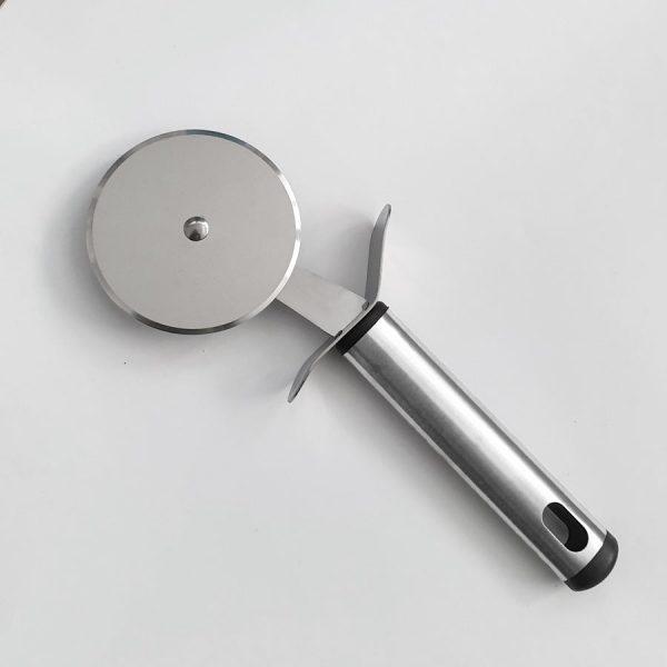 ροδα πιτσας ανοξειδωτη 7cm